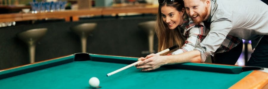 how to hold a cue