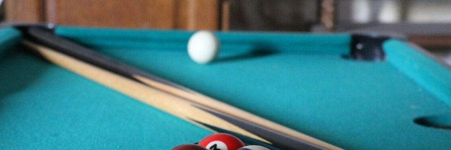 fiberglass vs wood pool cues